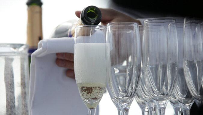 Сотрудник RTAB потратил 19 тысяч евро бюджетных денег на рестораны, алкоголь и парфюмерию