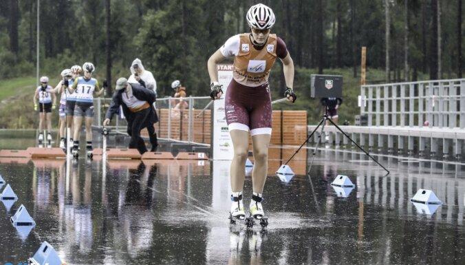 Latvijas sportisti Pasaules kausa posmā rollerslēpošanā Madonā trīs dienās izcīna sešas godalgas