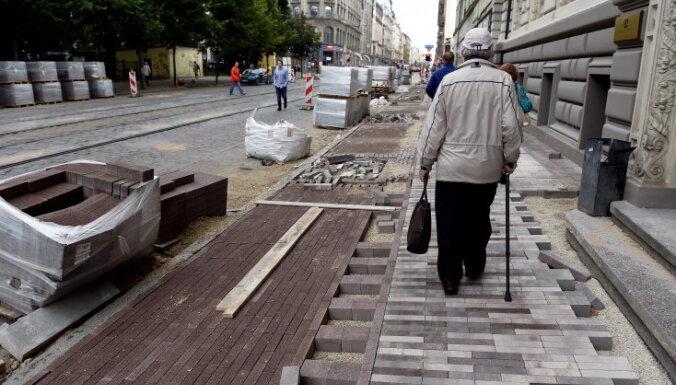 Barona ielas būvuzraugs nespēja apvienot divus amatus, secina raidījums