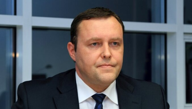 Bērziņš atzinīgi vērtē Kozlovski kā ministru; Āboltiņai trūkst sabiedrības uzticības