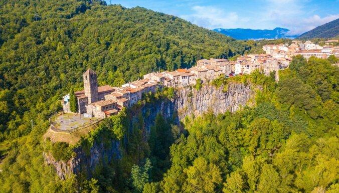 На краю обрыва: 6 удивительных городов на вершинах скал
