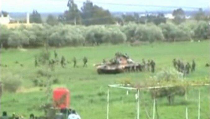 Uz Turciju aizbēdzis Asadam tuvs armijas komandieris