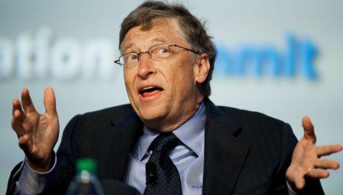 Bils Geitss pamet tehnoloģiju giganta 'Microsoft' stūri