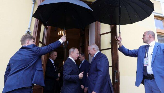 Vēstnieks: Krievija un Baltkrievija veido vienotu pārvaldi. Citi to neapstiprina