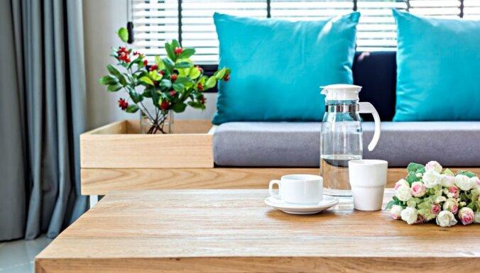 Rosīgā viesistaba – kā organizēt kārtību un atrast jaunas mantu glabāšanas vietas