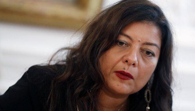Tiesa Francijas #MeToo aizsācējai par apmelošanu liek maksāt kompensāciju