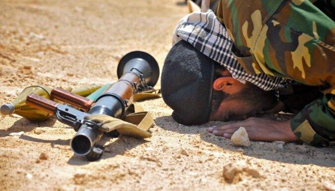 Саудовская Аравия будет платить зарплату сирийским повстанцам