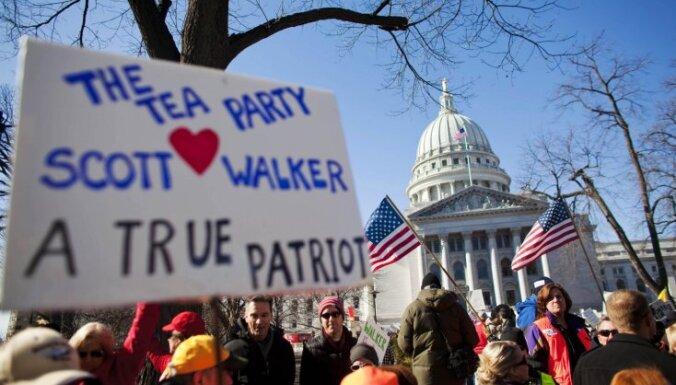 ASV Viskonsīnas štatā turpinās 'taupības pretinieku' masu protesti