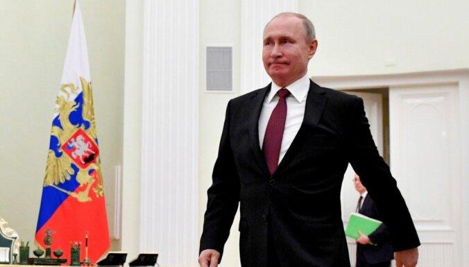 """Путин в своей речи на 9 мая поведал о """"недобитых карателях"""" и """"идеологии нацизма"""" на Западе"""