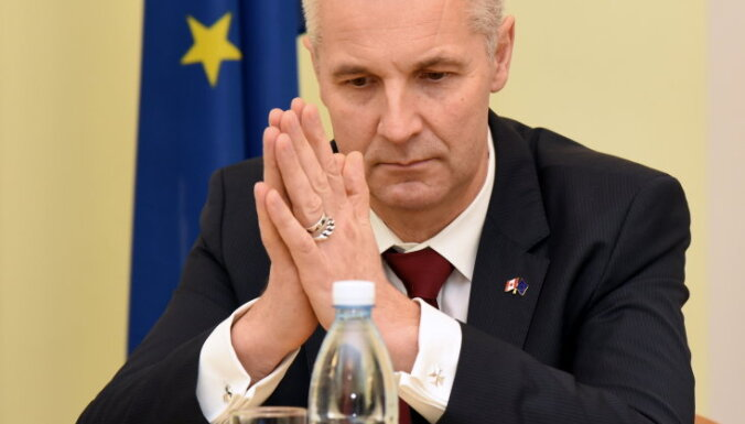 """Пабрикс заявил, что """"Согласие"""" нельзя пускать в правительство из-за столетнего юбилея Латвии"""