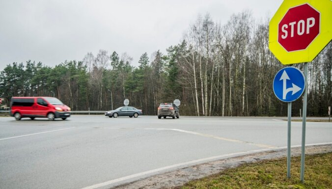 Medemciema iedzīvotāji aicina uz Jelgavas šosejas izveidot papildu apgriešanās vietu