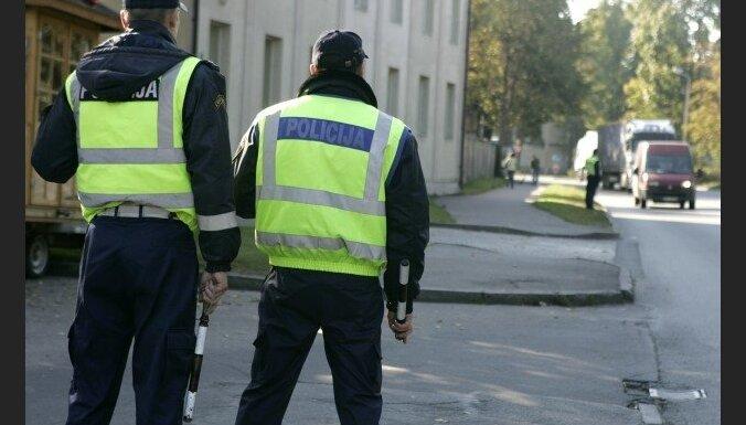 Par ārkārtējās situācijas ierobežojumu pārkāpumiem sestdien sāktas 12 lietvedības