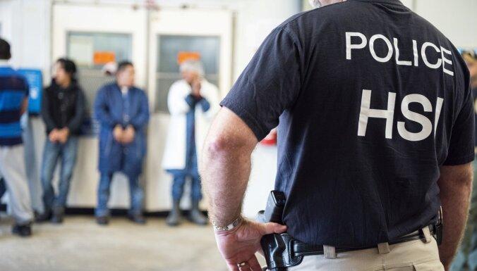 ASV nelegālos imigrantus ķer viltus universitātē
