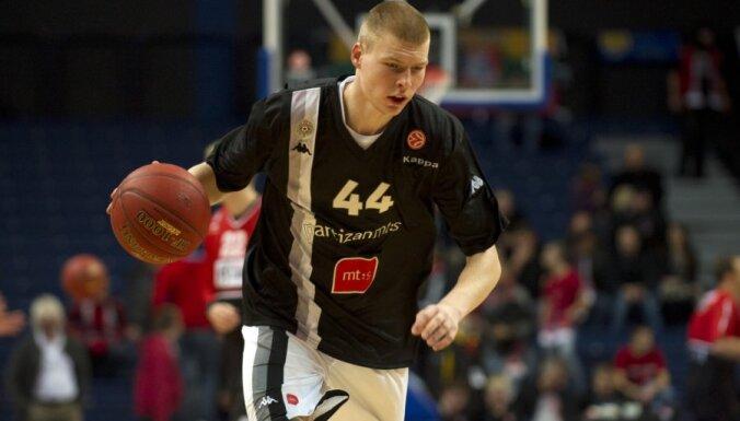 Dāvis Bertāns lauzis līgumu ar Belgradas 'Partizan'