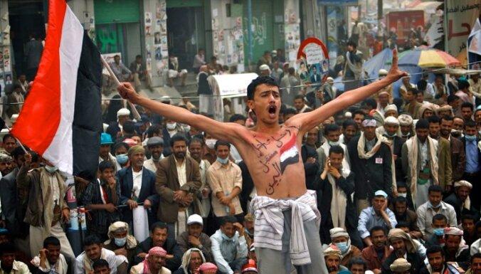 Jemenā armija nogalina vismaz 13 demonstrantus