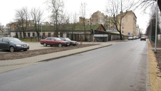 Satiksme Aiviekstes ielā pilnībā atjaunota
