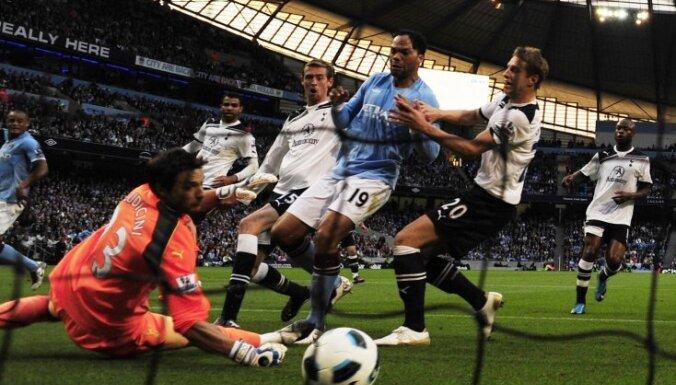 Британские СМИ поссорились с английскими футбольными лигами