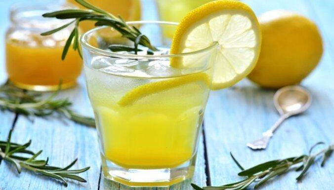 Citronu bole ar rozmarīnu