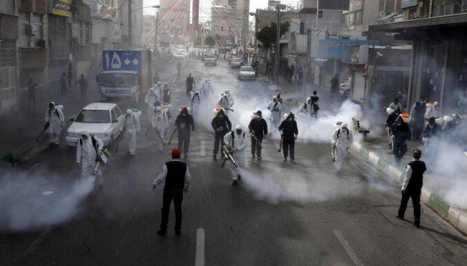 """В борьбе с коронавирусом Иран отказался от помощи """"шарлатанов"""" из США"""
