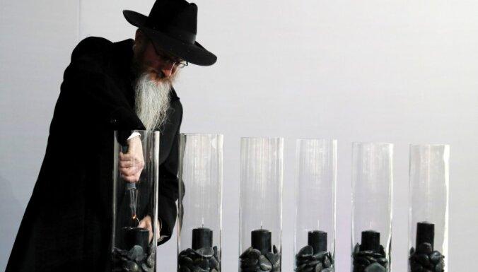 Украина: неизвестный ранил из пистолета двух хасидов на еврейском кладбище