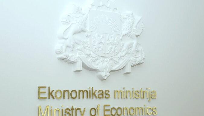 Nākamajos mēnešos varam piedzīvot arī mīnusus, ekonomisti par ražošanu Latvijā