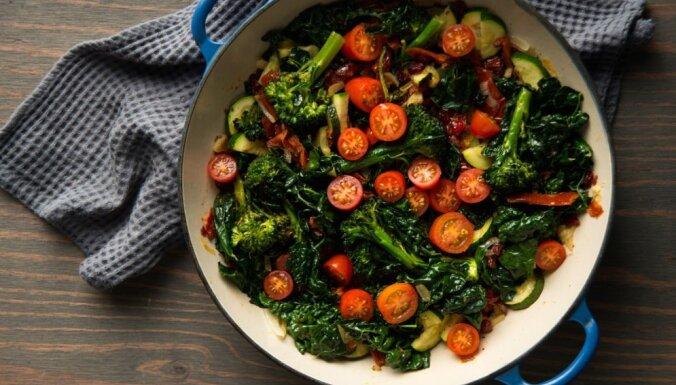 Atslodzes dienas pēc Mēness fāzēm martā un zaļo salātu receptes