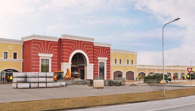 ФОТО. Как выглядят здания аутлет-поселка под Юрмалой: завершена отделка фасадов