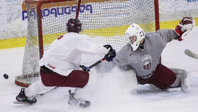 Foto: Latvijas U-20 hokeja izlase sāk gatavoties cīņām PČ pirmajā divīzijā