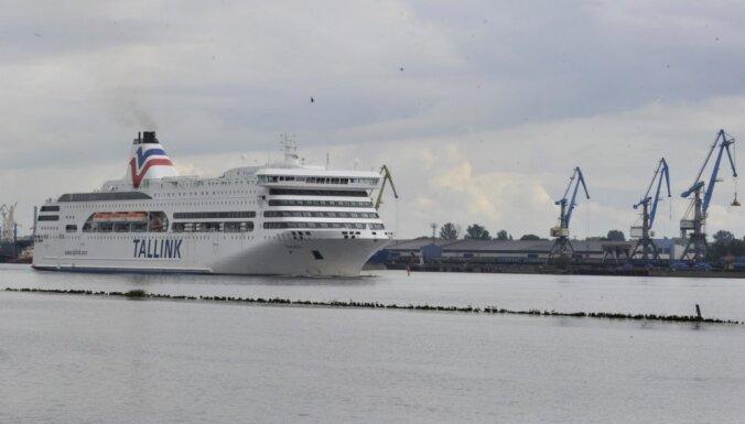 На паромном маршруте Рига-Стокгольм временно работает только одно судно
