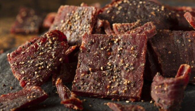 Kā mājās pagatavot īstu vīru cienīgu uzkodu – gaļas čipsus