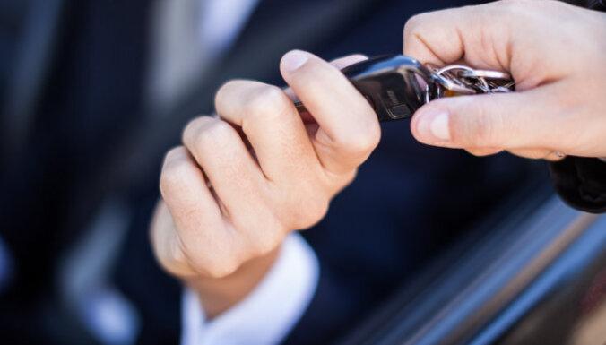 Премьер: из-за нелегальной торговли автомобилями в виде налогов не уплачено 50 млн евро