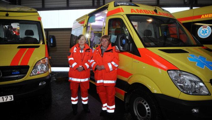 В следующем году повысят зарплаты работников скорой помощи