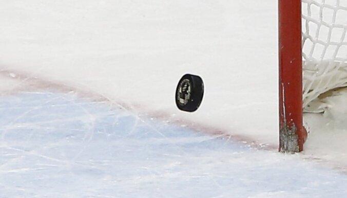 Zviedrijas hokeja izlasei pasaules čempionātā palīdzēs astoņi pērnā gada zelta medaļu ieguvēji
