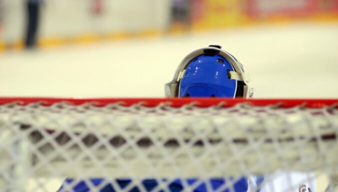 Vārtsargs atvaira 94 metienus garākajā spēlē AHL vēsturē