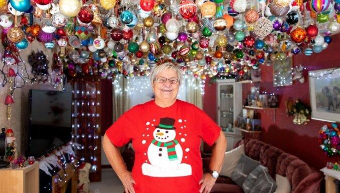 ФОТО, ВИДЕО. Британская пенсионерка украсила дом 2000 новогодними шарами