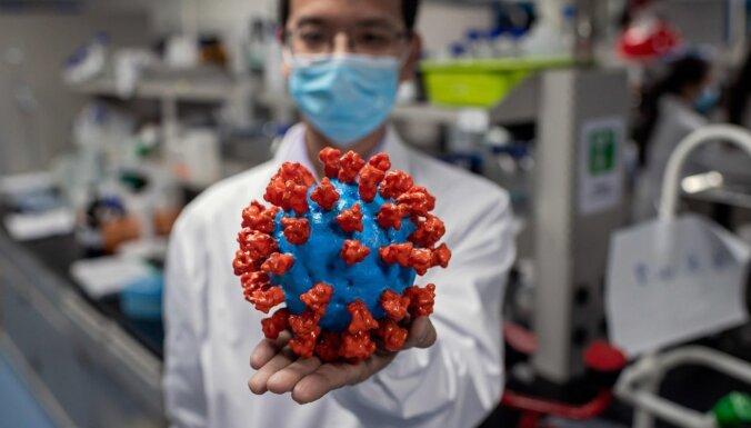 Lielbritānijā klīniskā pētījumā Covid-19 pārslimojušos mēģinās inficēt atkārtoti