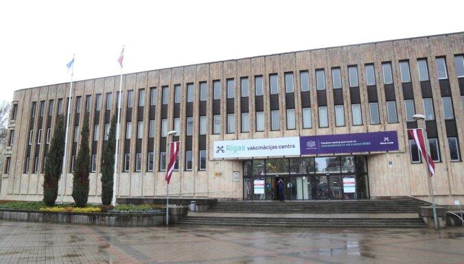 Первой дозой вакцины от коронавируса привиты 14% населения Латвии