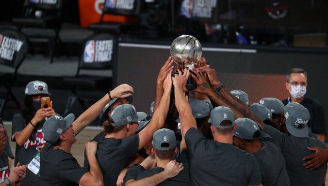 'Heat' kļūst par 'Lakers' pretiniekiem NBA finālā