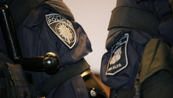 Policijas darbinieki atkal varēs strādāt 24 stundu režīmā