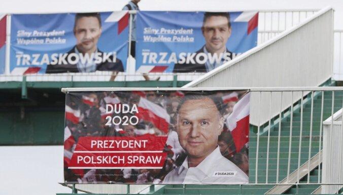 Polijā svētdien notiek prezidenta vēlēšanu otrā kārta