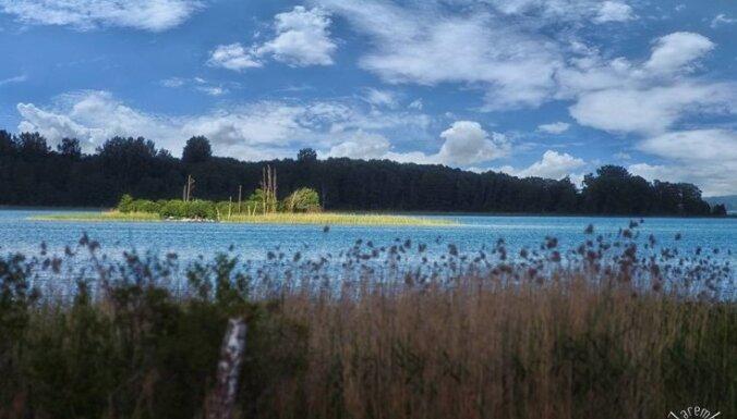 Latgales jūras šarms: 37 kilometru maršruts ar velo apkārt Rāznas ezeram