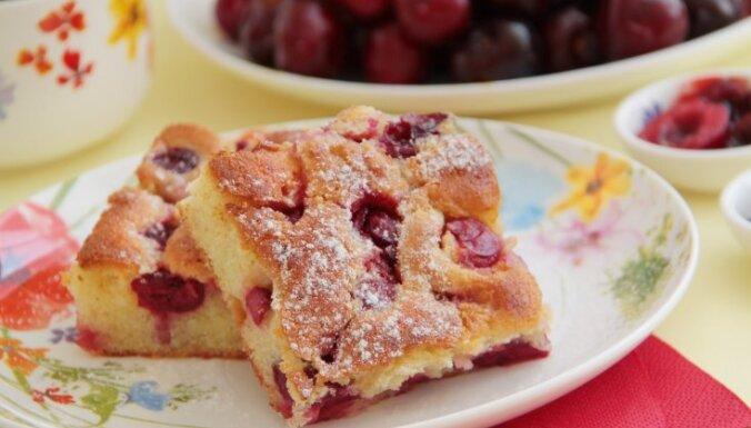 Nevar neizdoties: 15 sulīgas kefīra mīklas kūkas