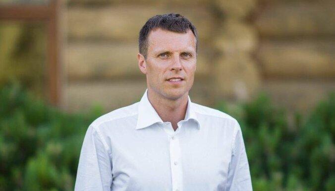 Raivis Ušackis: vai Rinkēvičs un Staķis domāja par Latvijas pilsoņiem Baltkrievijā?