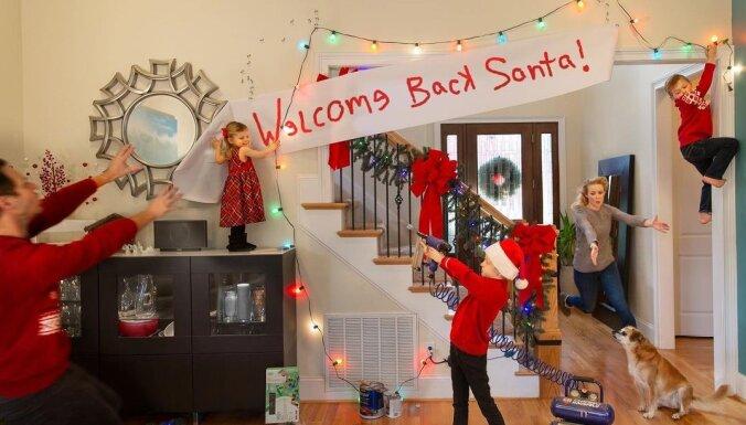 Foto: Ģimenes amizantās Ziemassvētku kartītes, kas parāda valdošo haosu