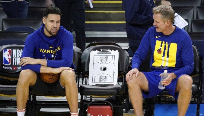 Tomsons atgriezīsies NBA fināla ceturtajā spēlē; Durantam vēl jāpaciešas