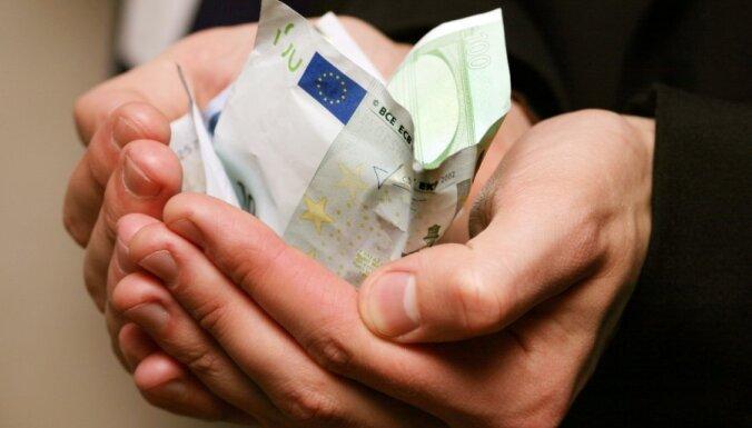 Латвия попросит денег у президента ЕС