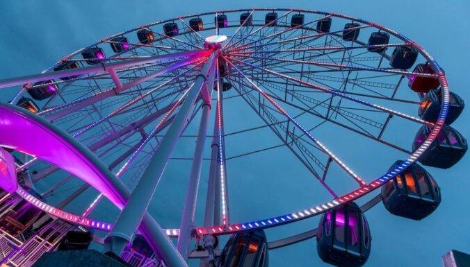 ФОТО, ВИДЕО: Торжественное открытие и ночная поездка на новом колесе обозрения в Таллине