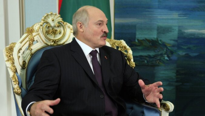 """Лукашенко готов принять украинцев, если те будут """"нормально трудиться"""""""