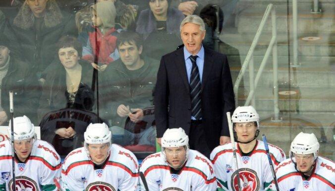 """Билялетдинов: Мы играем в правильный хоккей, а не гоняем """"балду"""""""