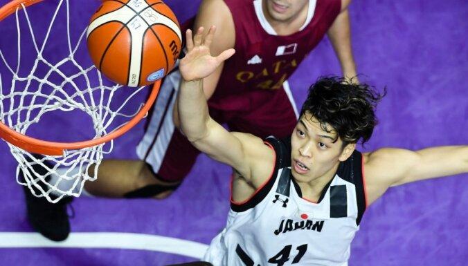Japānas izlases basketbolisti par izklaidi ar prostitūtu padzīti no komandas un Āzijas spēlēm